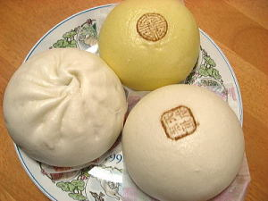新宿中村屋さんの3月限定品だった中華饅のセット