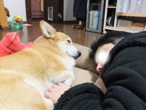 パパと一緒~にお寝んね。