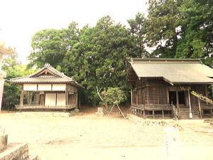 剣社と神楽殿(舞殿)