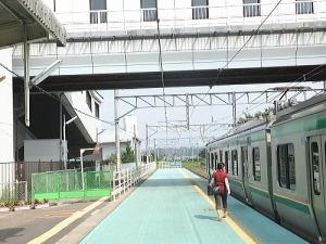 常磐線亘理駅のホーム;仙台方面です