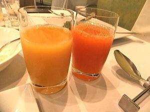 いろんな野菜ジュースやフルーツのジュースがあります