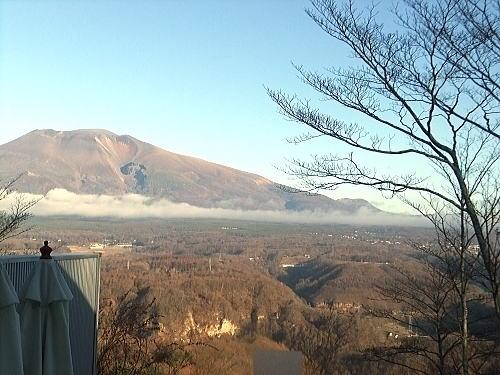 温泉からはキレイな浅間山が見れます
