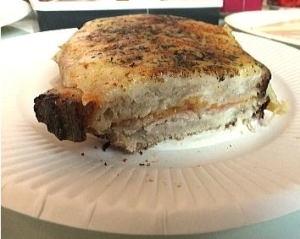 クロックムッシュ~お店オリジナルのホワイトソースとチーズとハムのバランスが良いですね