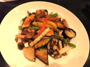 彩り野菜の温製サラダ  840円