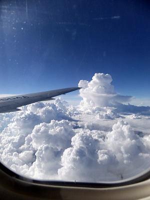 タイ?!上空はこんな大きな雲がいっぱい!