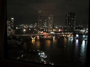 バンコク内『シャングリ・ラ・ホテル』の夜景