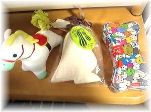 パパ殿からのプレゼント;お菓子と人形